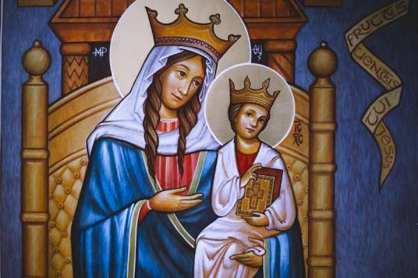 britons rededicate england to the blessed virgin mary London, England, Mar 30, 2020 / 06:00 pm (CNA).- More than half a million people took part Sunday in the rededication of England to Our Lady Sunday, organizers have said.