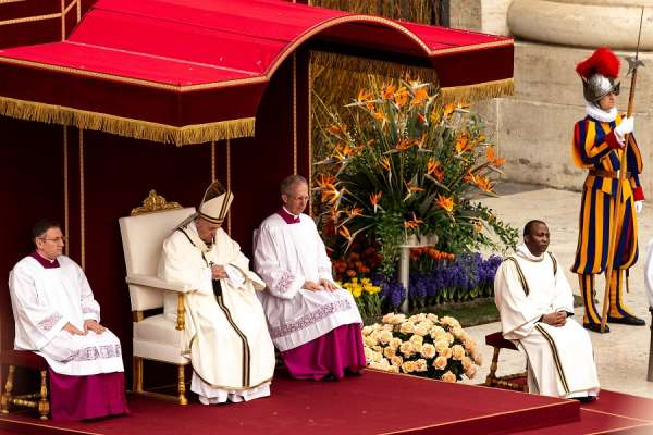 pope francis will offer easter liturgies in st peters basilica and with no public Vatican City, Mar 27, 2020 / 06:40 am (CNA).- Pope Francis will follow a slightly modified schedule this year for the liturgies of Holy Week and Easter, which will all take place inside St. Peter's Basilica and without the presence of the public, the Vatican announced Friday.