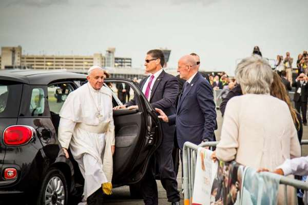 rolls royce offer for private pope francis meeting does not exist anymore Vatican City, Mar 6, 2020 / 10:41 am (CNA).- Rolls Royce and Italian Luxury Living are no longer offering an exclusive meeting and Mass with Pope Francis to Rolls Royce owners who donate over $100,000 to the Catholic Church.