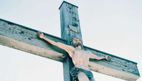 how the phoenix diocese is helping families celebrate holy week at home Phoenix, Ariz., Apr 4, 2020 / 12:01 pm (CNA).- Holy Week this year is going to look different for almost every Catholic in the United States.
