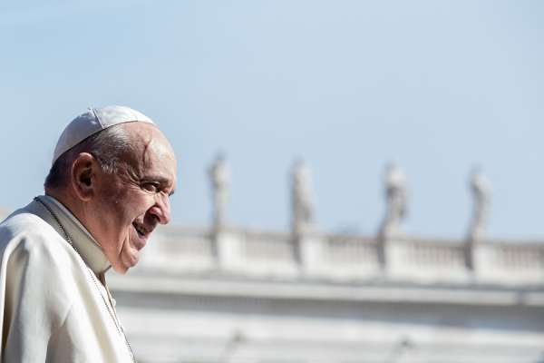 """i am close to the people of god pope startles host with call on live tv Vatican City, Apr 10, 2020 / 01:20 pm (CNA).- """"I am close, I am close to you all,"""" Pope Francis said on Good Friday, making a surprise call-in to a live Italian television program."""