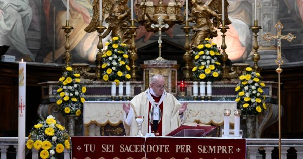 now is time to build new world without inequality injustice pope says Rome — As the world slowly recovers from the COVID-19 pandemic, there is a risk it will be struck by an even worse virus — that of selfish indifference, Pope Francis said.