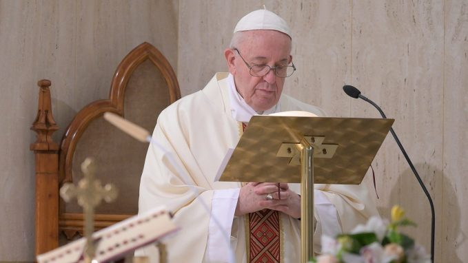 pope at mass prays for politicians By Fr. Benedict Mayaki, SJ