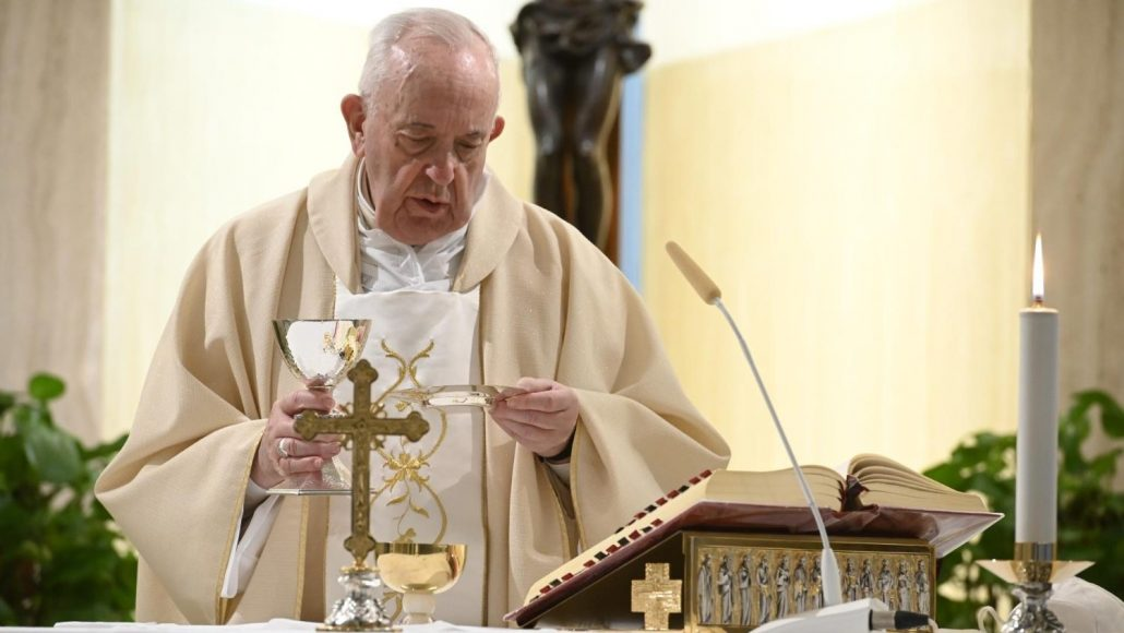 Pope Francis Explains the Mass