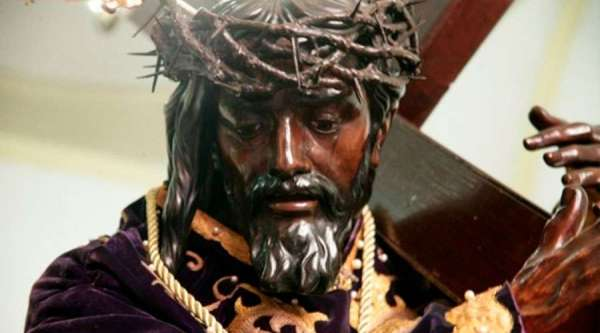 statue of christ carrying the cross will process holy wednesday in caracas CNA Staff, Apr 2, 2020 / 02:50 pm (CNA).- The statue of the Nazarene of Saint Paul will be processed April 8 through the streets of Caracas to help the faithful observe Holy Week.