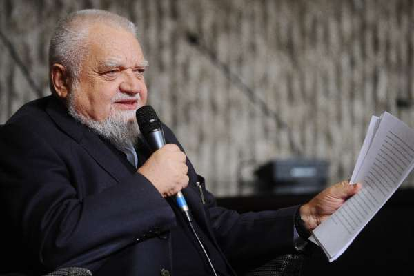 vatican orders founder to leave ecumenical community CNA Staff, May 28, 2020 / 06:00 am (CNA).- The Vatican has ordered the prominent Italian Catholic layman Enzo Bianchi to leave the monastery he founded in 1965.