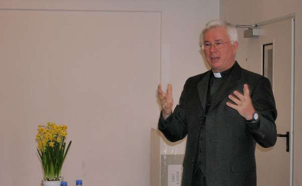"""austrian bishop says he launched study but not book on catholic blessings for same sex couples Denver Newsroom, Jun 22, 2020 / 10:00 am (CNA).- The newly elected president of the Austrian bishops' conference has sought to clarify his role in the publication of a book that suggests how a Church blessing of same-sex couples might be """"celebrated"""" in Catholic churches."""