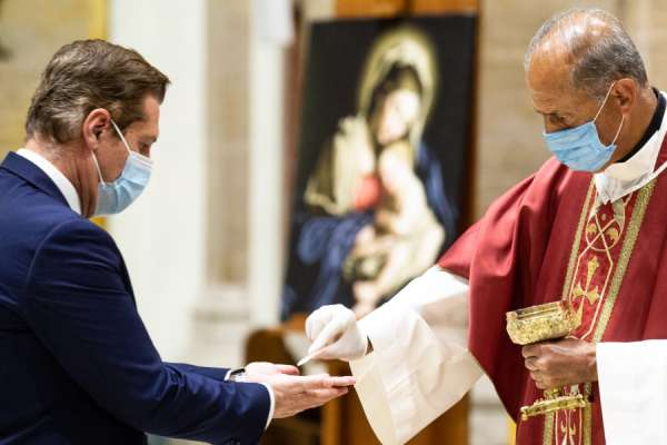 diocese of rome offers priests free covid 19 antibody tests Rome Newsroom, Jun 12, 2020 / 09:00 am (CNA).- As Italy moves into a new phase of its lockdown reopening, the Diocese of Rome has announced that it will offer free COVID-19 antibody testing for all priests ministering amid the pandemic.