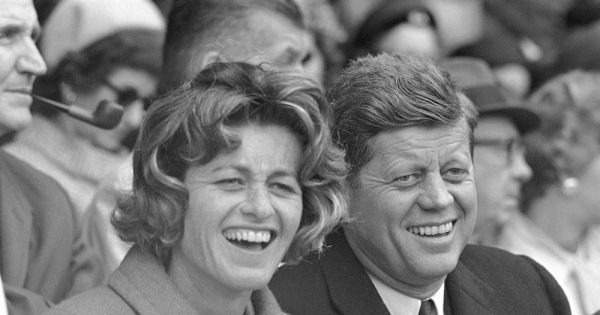 jean kennedy smith dies at 92 last surviving sibling of jfk Jean Kennedy Smith, who was the last surviving sibling of President John F. Kennedy and who as a U.S. ambassador played a key role in the peace process in Northern Ireland, has died, relatives said Thursday. She was 92.