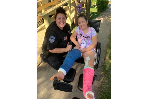 catholic parish rallies for young girl hit by truck Minneapolis, Minn., Jul 6, 2020 / 03:01 pm (CNA).- Last week, 8 year old Rosie Sajevic was riding her bike a couple blocks from her house in Hibbing, Minnesota, when a FedEx truck hit her, severely damaging her legs.