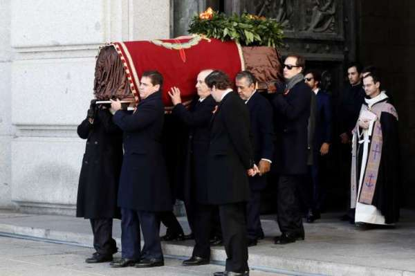 vatican says pope francis did not intervene in franco exhumation in spain Vatican City, Jul 21, 2020 / 08:45 am (CNA).- The Vatican stated Tuesday that Pope Francis did not intervene in last year's controversy over the exhumation of the body of Francisco Franco from the Valley of the Fallen in Spain.