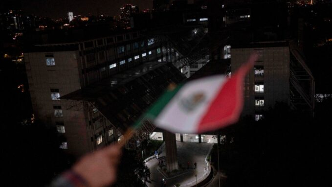 covid 19 mexicos economy suffers a worsening crisis By James Blears