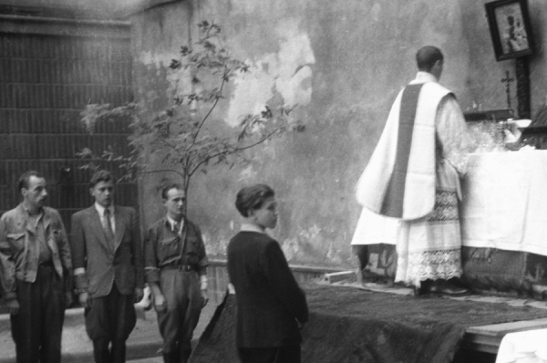 polish bishops recall service of priests nuns during warsaw uprising CNA Staff, Aug 7, 2020 / 05:37 pm (CNA).- Commemorating the 76th anniversary of the Warsaw Uprising against the Nazis, the Catholic bishops of Poland released a reflection on the priests and nuns who ministered to the needs of the Polish people during the historic event.