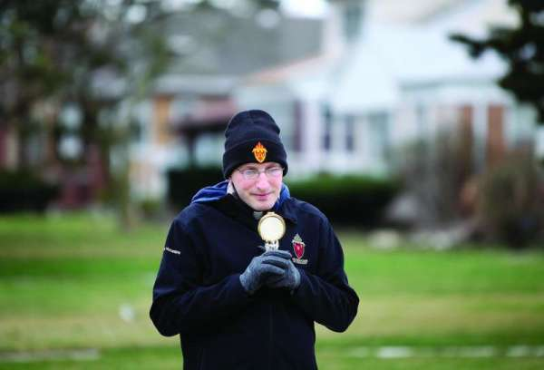 mundelein seminary accepts nominations for hero priests of the pandemic Denver Newsroom, Sep 7, 2020 / 06:01 am (CNA).- In a photo from this spring, Fr. Bobby Krueger dons a black beanie, thick grey gloves, and a jacket with a hood over his clerics.