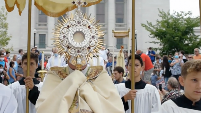 """new organization working to promote eucharistic processions nationwide MADISON, Wisconsin — The success of the highly visible Eucharistic Procession and patriotic Rosary rally that drew 2,000 to 3,000 people to the Wisconsin Capitol Building on August 15 is spreading to more states with a new organization called """"Unite Our Nation""""."""