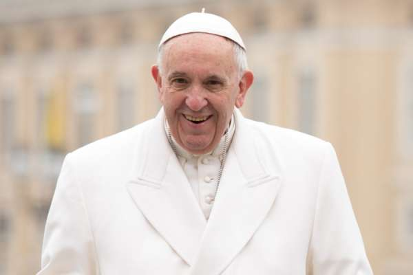 """pope francis economics should not sacrifice human dignity to the idols of finance Vatican City, Sep 4, 2020 / 04:00 am (CNA).- Pope Francis told heads of state and business leaders Friday that human dignity and """"ecological conversion"""" ought to shape the future of Europe's economy."""