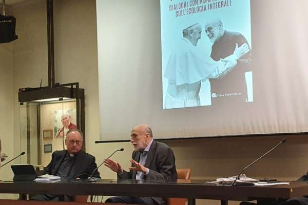 pope francis praises dialogue in conversations with agnostic slow food founder Vatican City, Sep 8, 2020 / 07:30 am (CNA).- A book publishing conversations between Pope Francis and Carlo Petrini, the founder of the Slow Food organization, highlights the pope's emphasis on dialogue with others.
