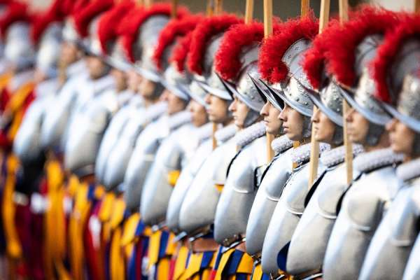 four vatican swiss guards test positive for the coronavirus Vatican City, Oct 12, 2020 / 07:00 am (CNA).- The Vatican confirmed Monday that four Swiss Guards have tested positive for the coronavirus.