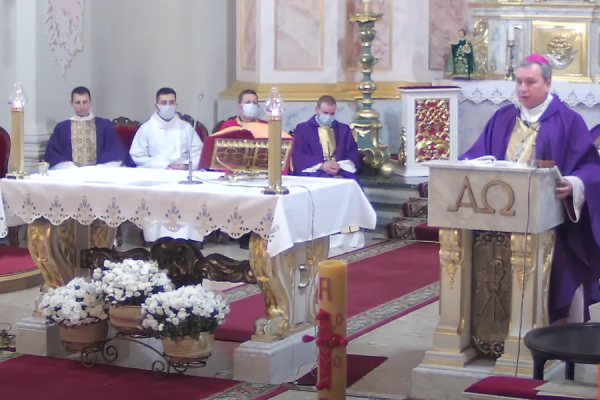 catholic bishop prays for belarusian reportedly beaten to death by security forces CNA Staff, Nov 14, 2020 / 06:00 am (CNA).- A Catholic bishop celebrated Mass Friday in memory of a protester reportedly beaten to death by security forces in Belarus.