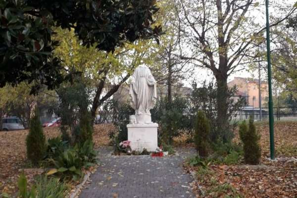 patriarch of venice calls for prayers of reparation after virgin mary statue decapitated Rome Newsroom, Nov 27, 2020 / 09:00 am (CNA).- A statue of the Virgin Mary in a public square in a suburb of Venice, Italy, was vandalized Thursday night.