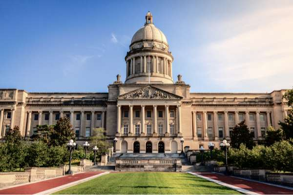 kentucky lawmakers pass two pro life bills early in legislative session CNA Staff, Jan 13, 2021 / 03:29 pm (CNA).- Lawmakers in Kentucky on Monday sent two pro-life bills to Governor Andy Beshear's desk, both of which are likely to become law thanks to veto-proof majorities.