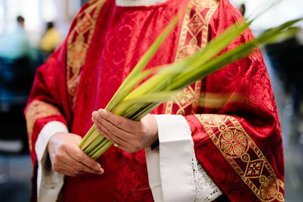 "diocese priests omission of palm blessing in protest over vatican ruling reprehensible Rome Newsroom, Mar 31, 2021 / 07:00 am (CNA).- A Catholic diocese in Italy has described a priest's refusal to bless palms on Sunday because of the Vatican's rejection of blessings for same-sex unions as ""reprehensible."""