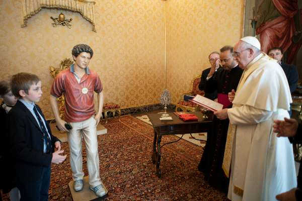 pope francis blesses carlo acutis statue for orphanage in egypt Vatican City, Mar 19, 2021 / 07:00 am (CNA).- Pope Francis has blessed a statue of Blessed Carlo Acutis which will be sent to an orphanage in Cairo, Egypt.