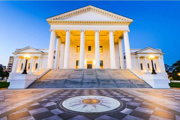 virginia governor signs abortion coverage expansion into law Washington D.C., Mar 12, 2021 / 04:00 pm (CNA).- Virginia's governor on Friday signed a bill into law expanding abortion coverage in the state, prompting a rebuke from the state's bishops.