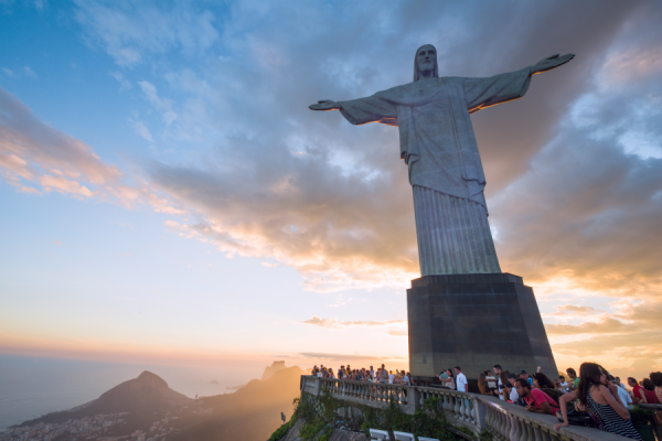 brazils christ the redeemer statue undergoes major restoration for 90th anniversary Rome Newsroom, Mar 31, 2021 / 01:00 pm (CNA).- The massive Christ the Redeemer statue overlooking Rio de Janeiro in Brazil is undergoing restoration ahead of its 90th anniversary this year.