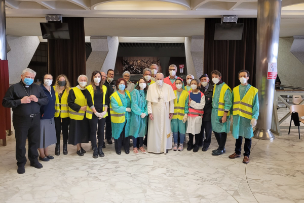 pope francis visits vatican vaccination center Vatican City, Apr 2, 2021 / 04:00 am (CNA).- Pope Francis on the morning of Good Friday visited the auditorium where the Vatican is vaccinating 1,200 people in need this week.